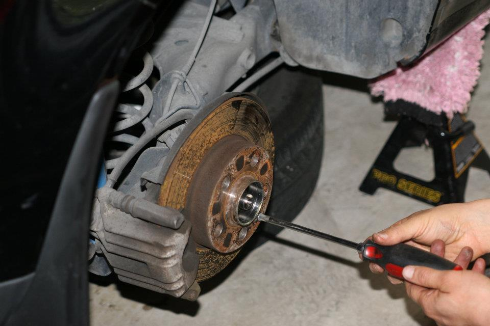 Rear wheel bearing removal and replacement-mk4 | VW TDI forum, Audi