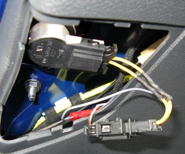 adapter oem backup camera installation for mk5 mk6 vw golf hatch badge 2006 Jetta Fuse Box at fashall.co