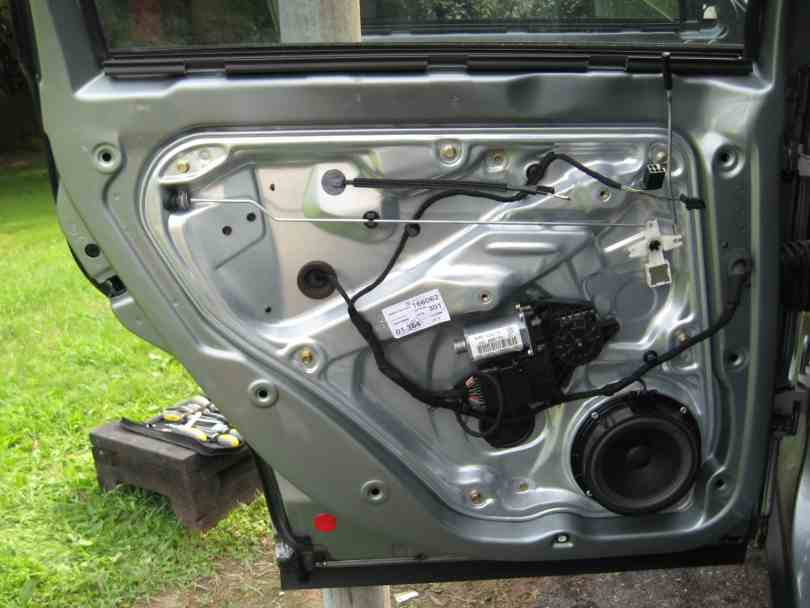 //.myturbodiesel.com/images/b5/body/dcard12.jpg & Rear Door Lock - TDIClub Forums