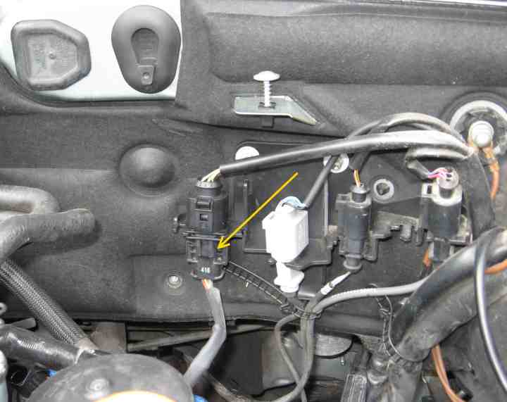 Downpipe and O2 sensor removal on VW Passat 4 cylinder