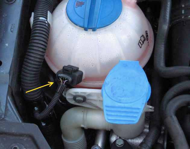 newstyle2 coolant migration on vw from defective coolant reservoir vw tdi  at gsmx.co